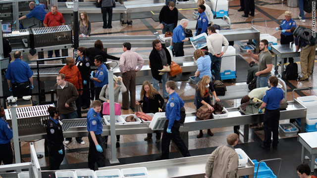 TSA to Stop Accepting Drivers Licenses From Nine US States